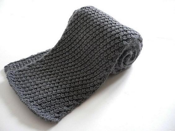 мужской шарф спицами жемчужным узором