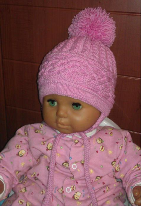 Теплая шапочка для девочки спицами