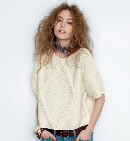 Модный пуловер спицами с ромбом