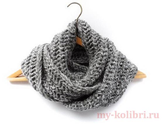 Простой шарф-снуд спицами в два оборота