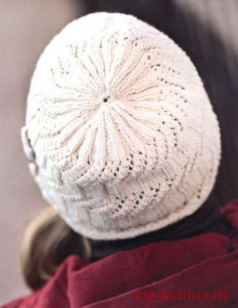 Демисезонная шапка спицами
