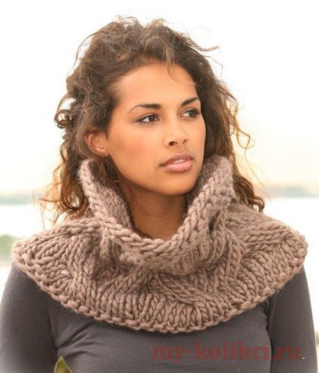 Объемный шарф-воротник спицами из толстой пряжи