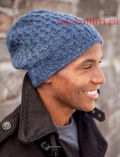 Молодежная мужская шапка спицами