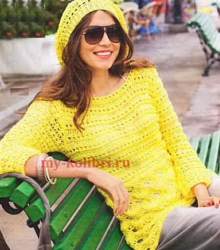 Удлиненный ажурный пуловер спицами и шапочка