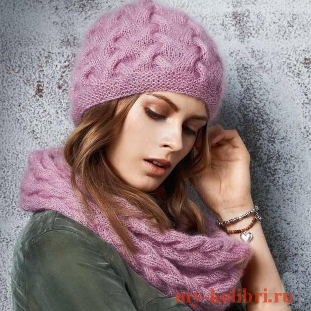 Мохеровая шапка спицами на планке плетеным узором
