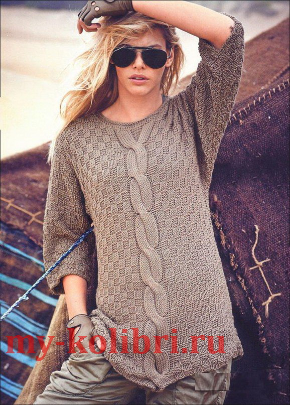 Удлиненный пуловер спицами шахматным узором и косой3