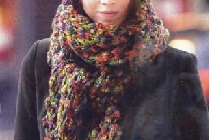 Меланжевый шарф и шапочка спицами фото