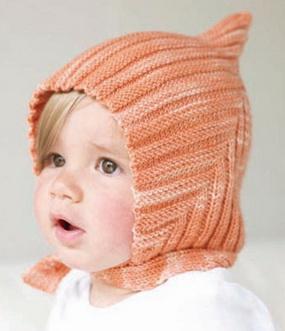 Вязаная детская шапка спицами