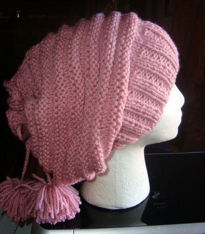 Вязаные шапки спицами для начинающих: простая шапочка «за одну ночь»
