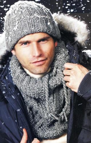 Вязание мужской  шапки спицами в комплекте с шарфом