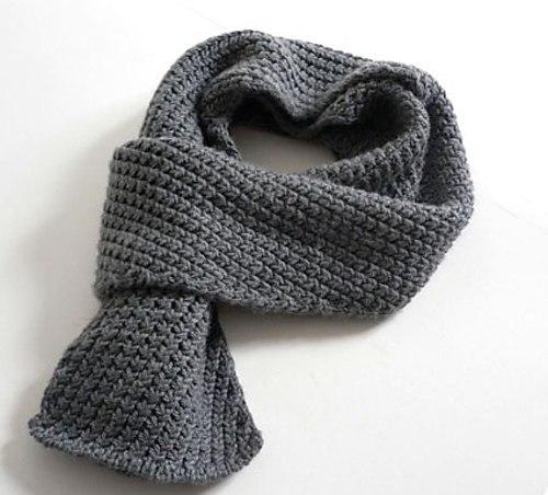 Мужской шарф спицами жемчужным