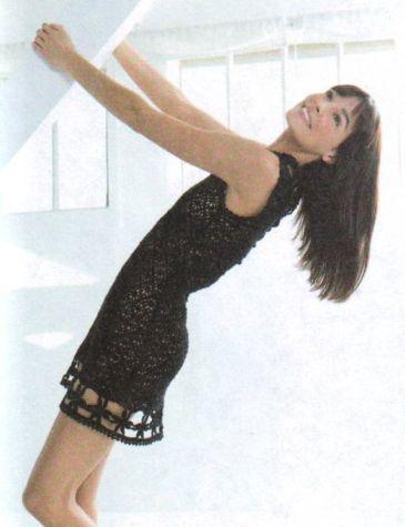платье крючком цветочным узором