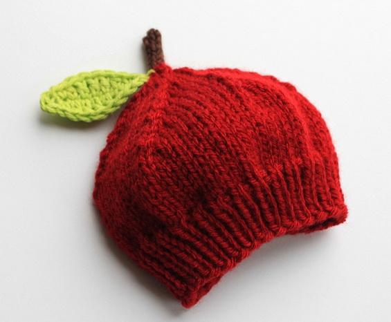 Шапочка для новорожденного спицами  «Яблочко»