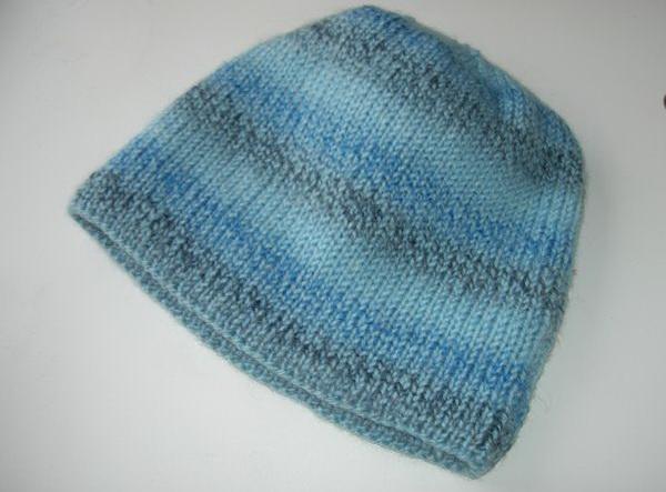 Простая мужская шапка спицами