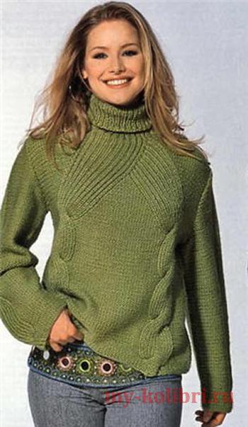 Модный свитер спицами изнаночной гладью и красивыми косами