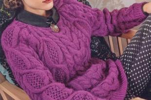 Модный свитер спицами «Черничные ночи»