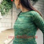 Меланжевый пуловер спицами с вырезом лодочка_1