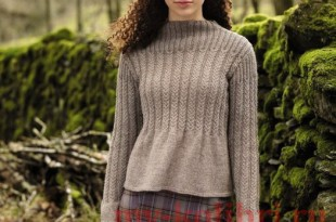 Пуловер спицами с расклешенным низом фото_3