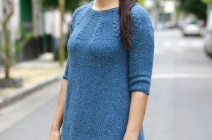 Теплое платье спицами платочной вязкой и кокеткой з кос фото_6